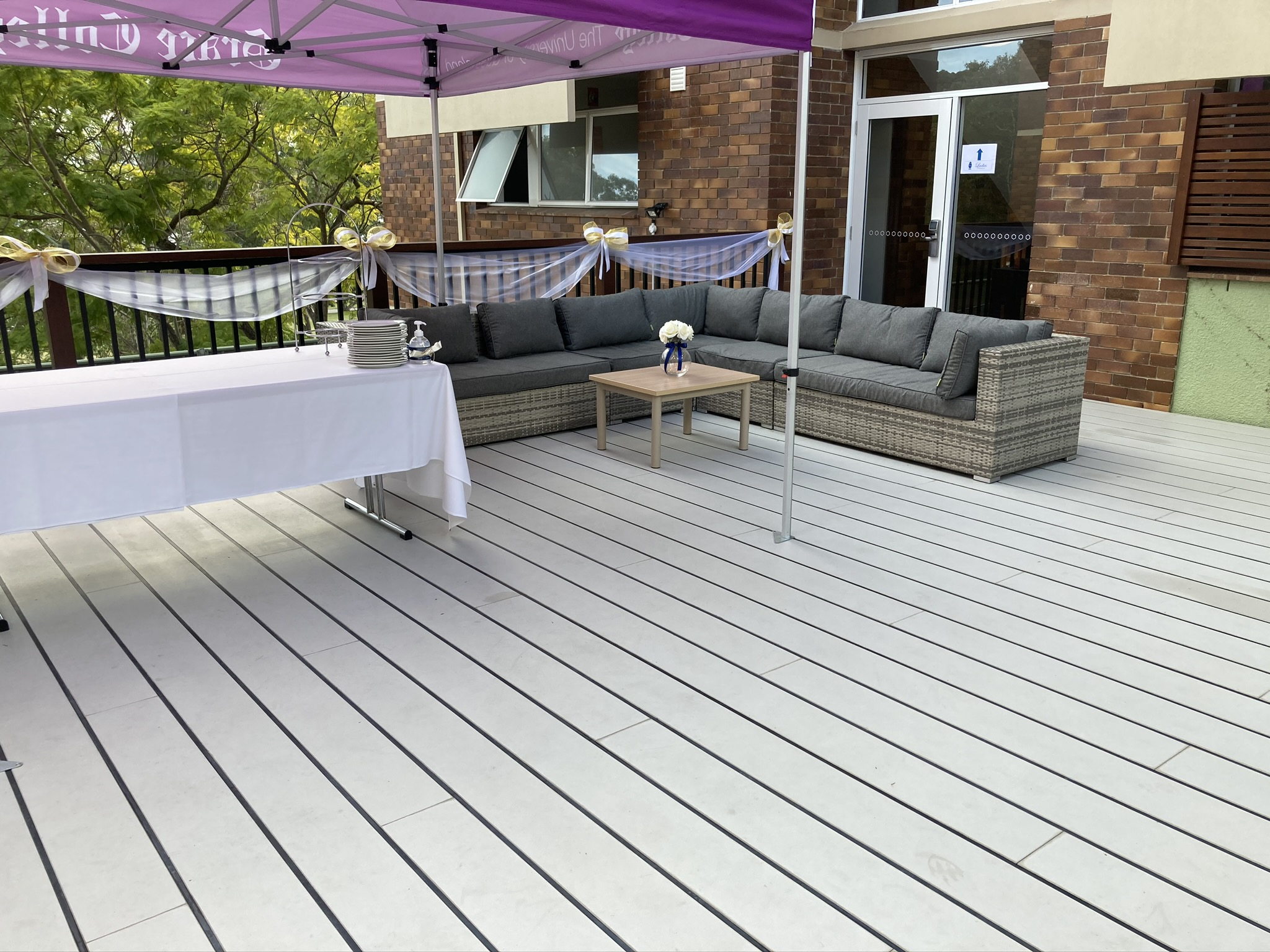 Fletcher side of deck set with lounge